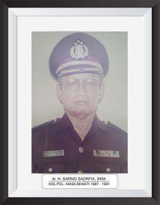 dr. H. SARMO SADRIYA SKM.