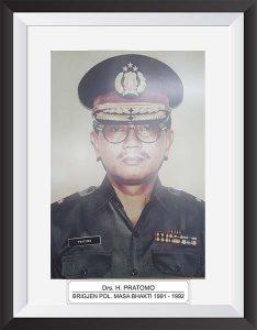 Drs. H. PRATOMO